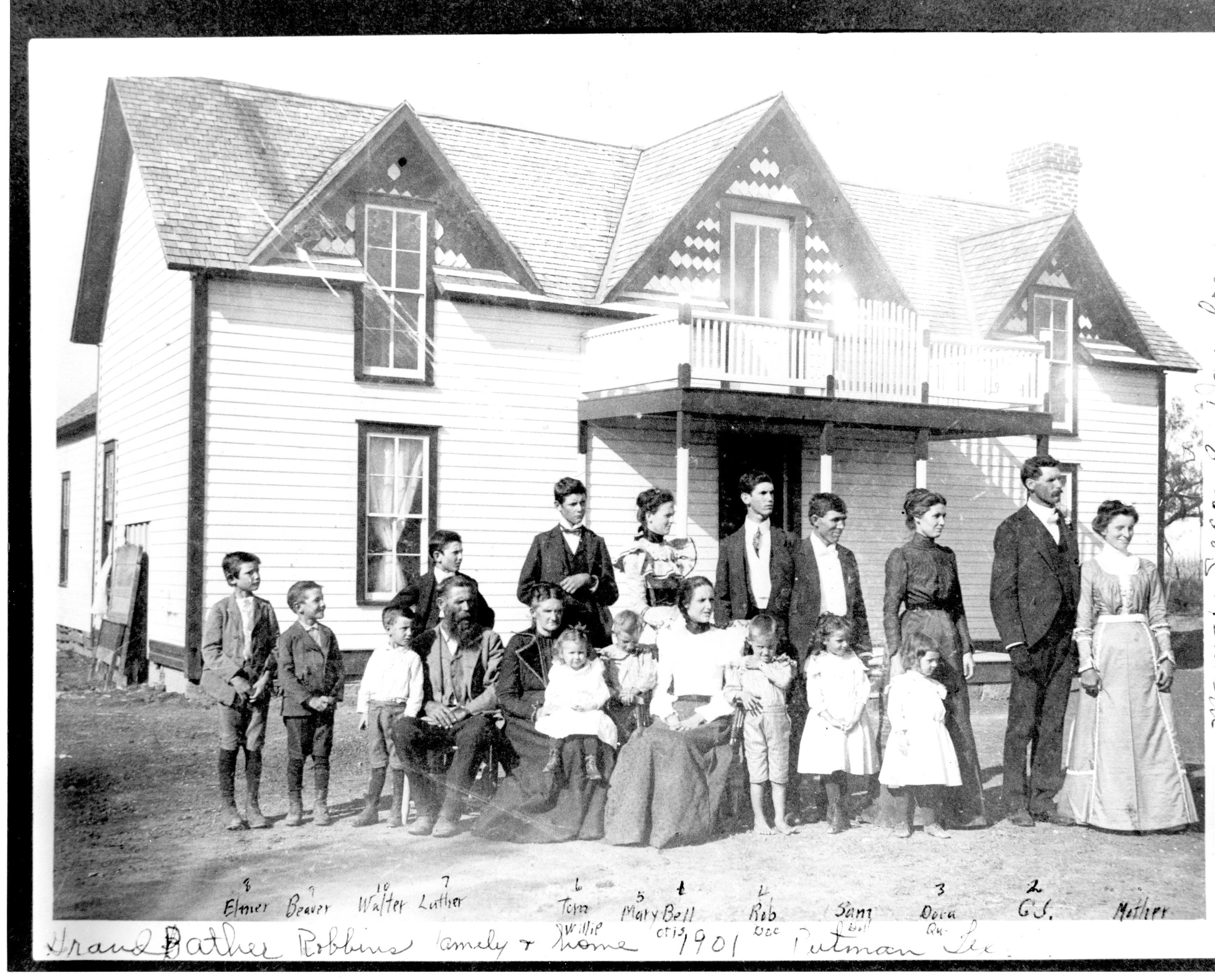 William Arthur Robbins and Mary Francis Bishop and family, 1901 in Putnam, TX.